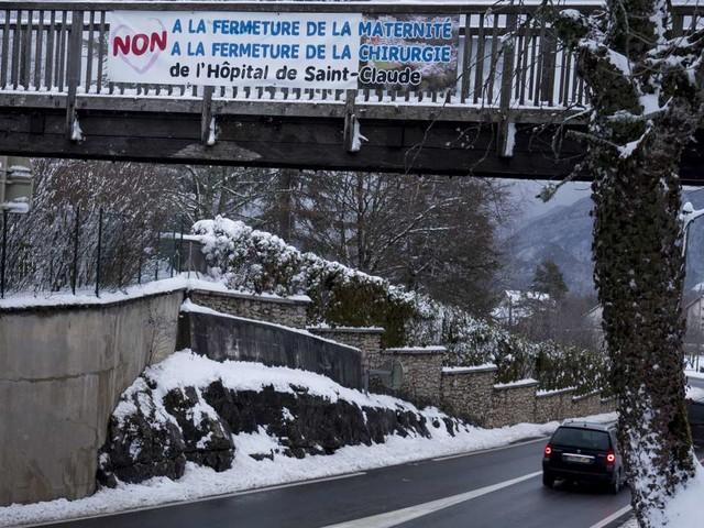 A Saint-Claude, dans le Jura, un premier hiver sans la maternité