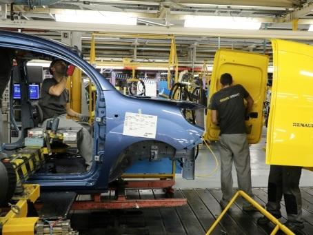 Automobile: le marché français a bien résisté en 2019, mais se prépare à une baisse en 2020