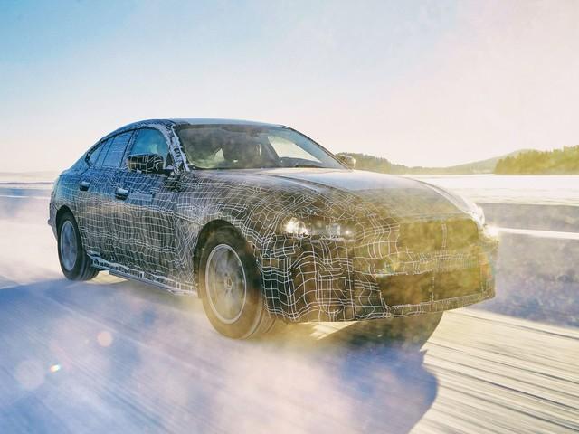 Future BMW i4 : la surenchère pour provoquer Tesla