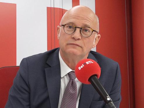 """Est-ce normal que la Wallonie soit en déficit? Il y a de """"bons"""" déficits, tout comme il y a du """"bon cholestérol"""""""