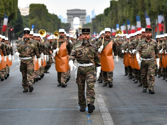 Les blessés de guerre, les forces de secours et l'Asie à l'honneur du défilé du 14-juillet