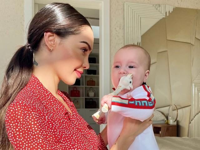 Nabilla : Confinée à Dubaï, sa dernière photo Instagram fait réagir les internautes