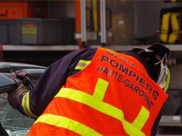 Haute-Garonne. La voiture percute un arbre : une femme et un enfant hospitalisés en urgence absolue