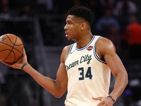 NBA: les Bucks magiques, les Rockets tragiques