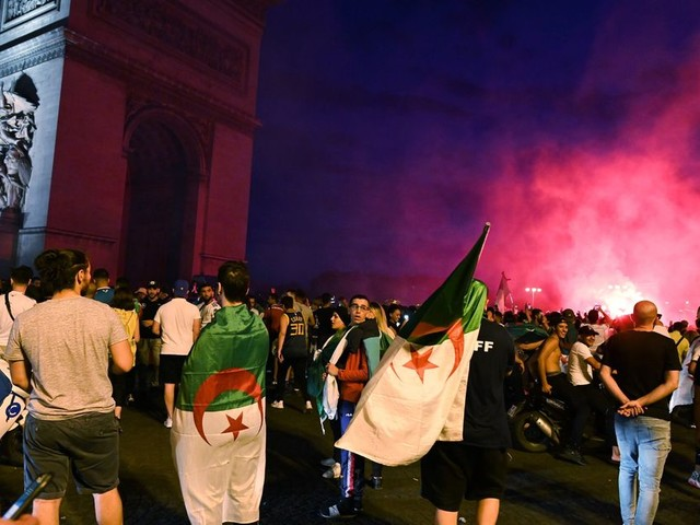 Algérie-Sénégal: En France, pourquoi certains binationaux célèbrent leurs victoires plus que d'autres