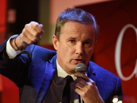 """Du rond-point au scrutin, les """"gilets jaunes"""" face à la """"récupération"""" politique"""