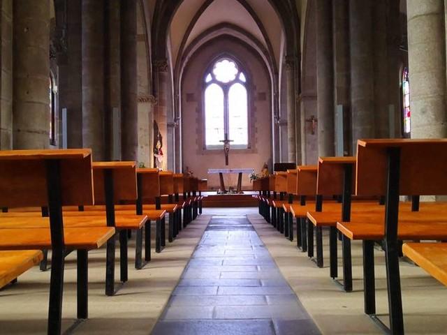 Dax : une centaine de catholiques manifestent pour demander le retour des messes