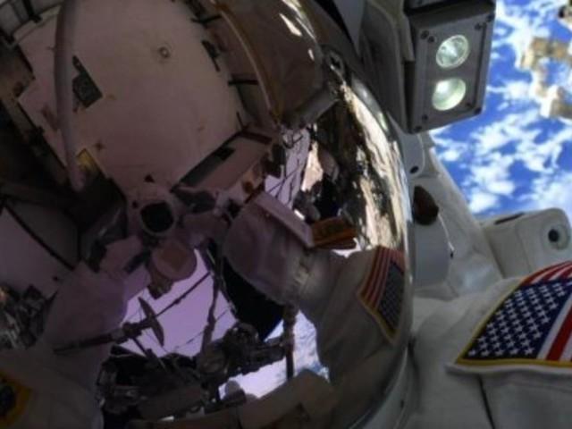 """La NASA annule son expédition 100% féminine, faute de combinaisons taille """"M"""" sur l'ISS"""