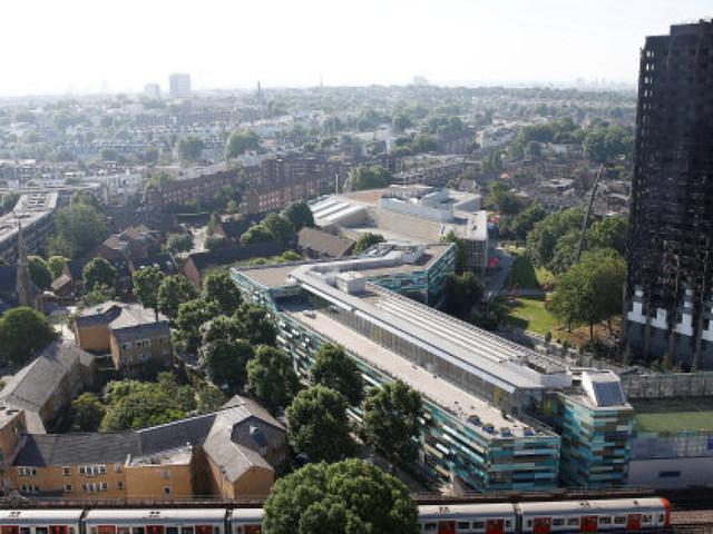 """Incendie de Londres: """"Ce serait un miracle de retrouver des survivants"""""""