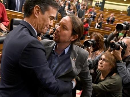 Espagne: avec Podemos, Pedro Sanchez met le cap à gauche
