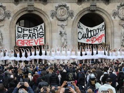 Réforme des retraites en France - Concession du gouvernement aux danseurs de l'Opéra de Paris