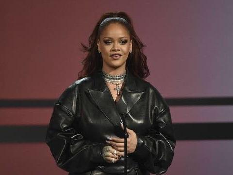 Rihanna s'en prend à Donald Trump après les fusillades à El Paso et à Dayton