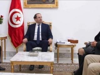 Tunisie – VIDEO: Le chef du gouvernement promet de réactiver des usines à l'arrêt à Gafsa et d'aider les diplômés pour s'installer