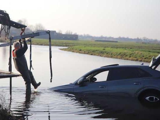 Un Audi RS Q8 noyé dans l'eau !