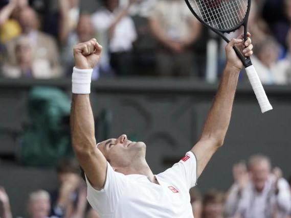 Wimbledon (H) - Wimbledon: Roger Federer domine Rafael Nadal en demi-finales et rêve d'un neuvième sacre