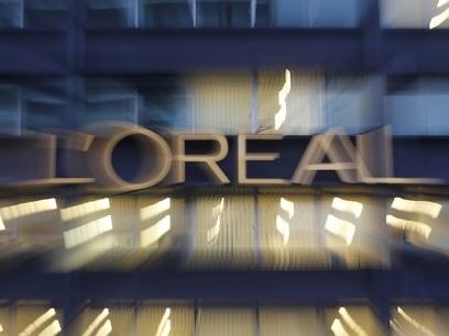 Bourse: L'Oréal monte de 4% au lendemain du décès de Liliane Bettencourt