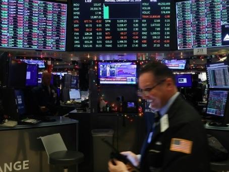 A Wall Street, S&P 500 et Nasdaq à un record, reflux des craintes sur le coronavirus