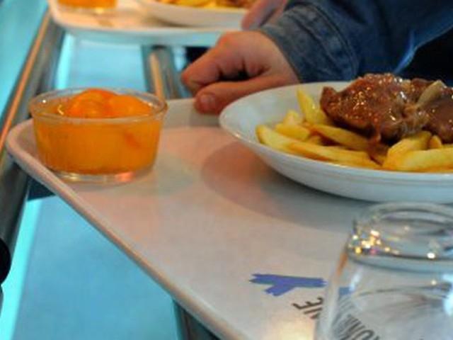 """Fin des repas à 1 euro pour les étudiants non boursiers, une décision """"inadmissible"""" pour l'Unef"""