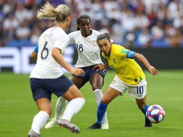 """Coupe du monde de foot : et si les """"féministes"""" cessaient de toujours comparer les joueuses… aux mecs ?"""