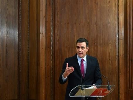 Espagne: Sanchez toujours suspendu au soutien d'un parti indépendantiste catalan
