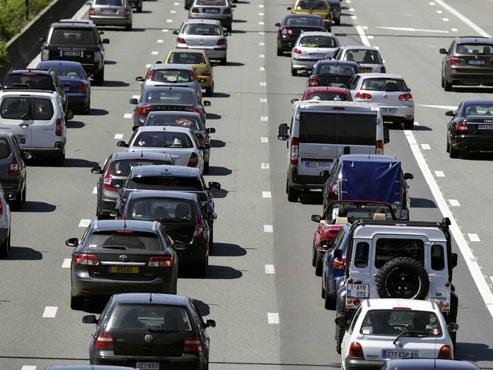 Week-end rouge sur les routes des vacances: À quelle heure faut-il partir pour éviter les bouchons ?