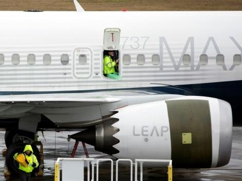 """Le Boeing 737 MAX """"fondamentalement défectueux et dangereux"""", selon le Congrès"""