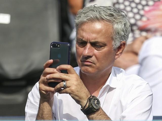 Mercato - PSG: La punchline de Pierre Ménès sur José Mourinho au PSG…
