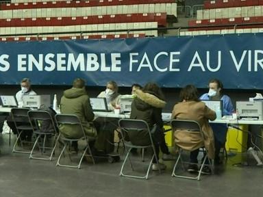 Virus: l'Europe durcit ses restrictions, couvre-feux nocturnes en France