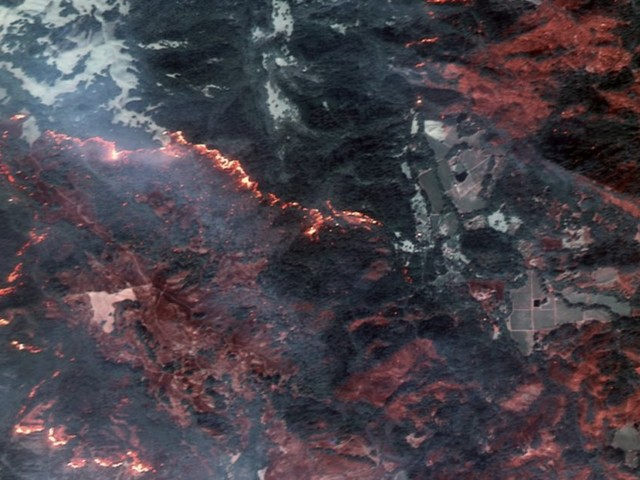Vus de l'espace, les incendies qui ravagent la Californie sont encore plus impressionnants