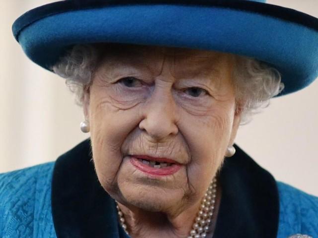 «Queen dead»: non, la reine Elizabeth II n'est pas morte et le fait savoir! (photo)