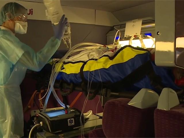"""Coronavirus : comment est née cette """"prouesse logistique et technique"""" du TGV médicalisé ?"""