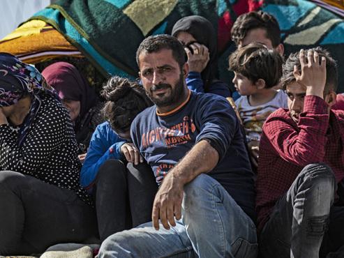 Offensive turque en Syrie: plus de 60.000 personnes fuient déjà les combats