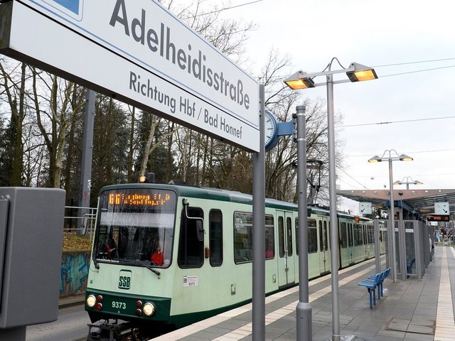 En Allemagne, des passagers stoppent un tramway fou