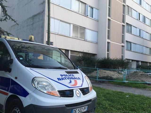 Bordeaux : une femme tuée d'un coup de couteau, un homme recherché
