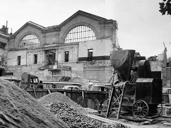 """La Nuit des Gares (5/17) : Une Parisienne à la gare Montparnasse : """"Je regrette l'autre gare. Cette gare-là me déplaît et du reste, les employés disent que c'est l'hôtel des courants d'air"""""""