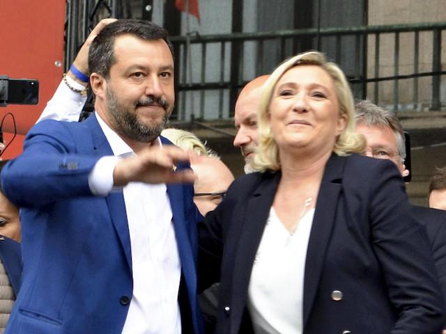 """Echec pour Marine Le Pen et Matteo Salvini : pas de """"super groupe"""" au Parlement européen"""