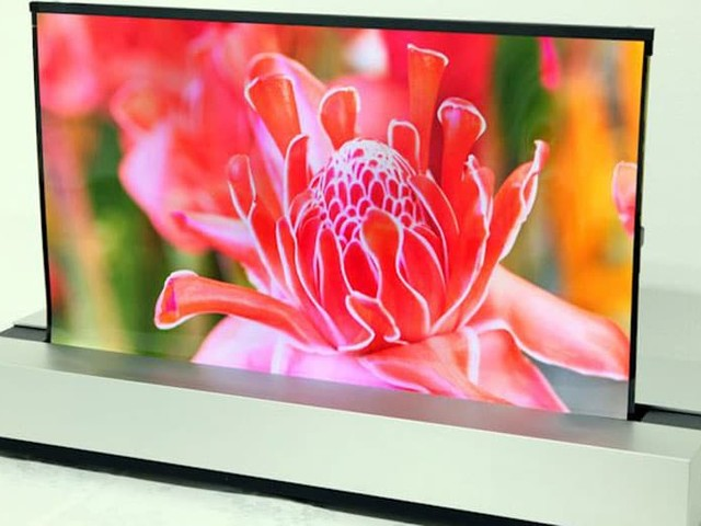 Sharp présente le premier écran PC OLED enroulable comme du papier