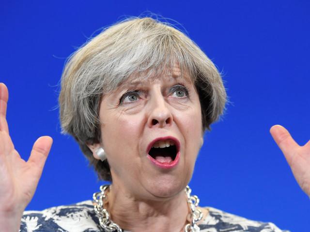 Résultats des élections au Royaume-Uni: sans majorité absolue, quel avenir pour Theresa May, les conservateurs et le Brexit?