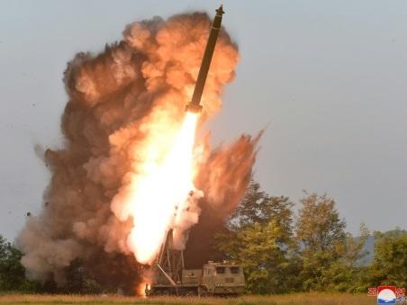 """La Corée du Nord annonce avoir encore testé un """"lanceur de missiles multiple"""""""