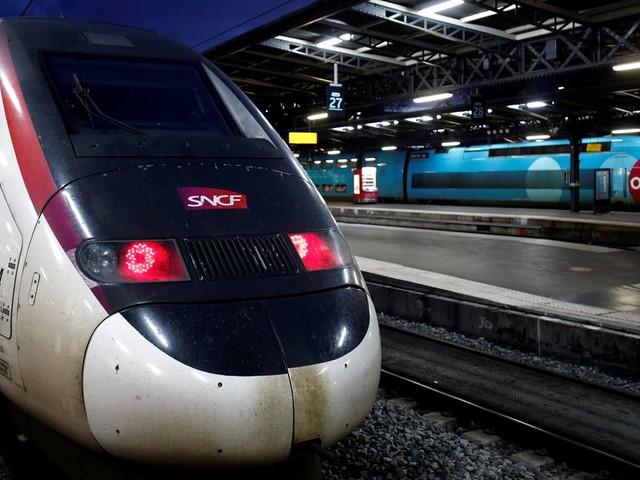 Grève SNCF: 4 TGV et Intercités sur 10 les 23 et 24 décembre