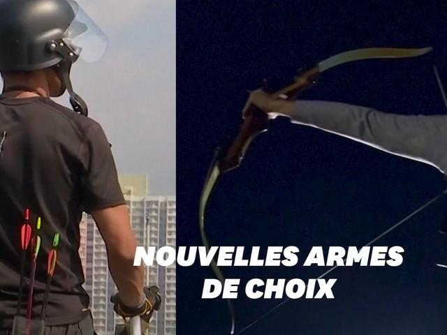 À Hong Kong, javelots et flèches enflammées sont les nouvelles armes des manifestants
