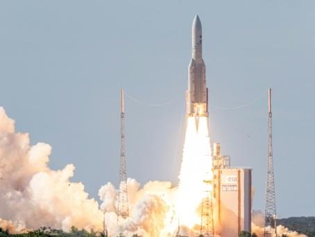 """Arianespace: l'Europe spatiale ne veut pas de """"l'espace far west"""" de Space X"""