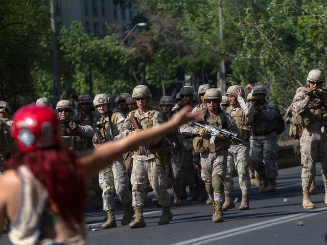 Chili, le président fait appel à l'armée, sept personnes meurent dans des émeutes