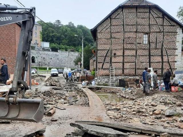 Plusieurs villes sinistrées suite aux inondations font face au tourisme de catastrophe, comment sanctionner? Impossible…