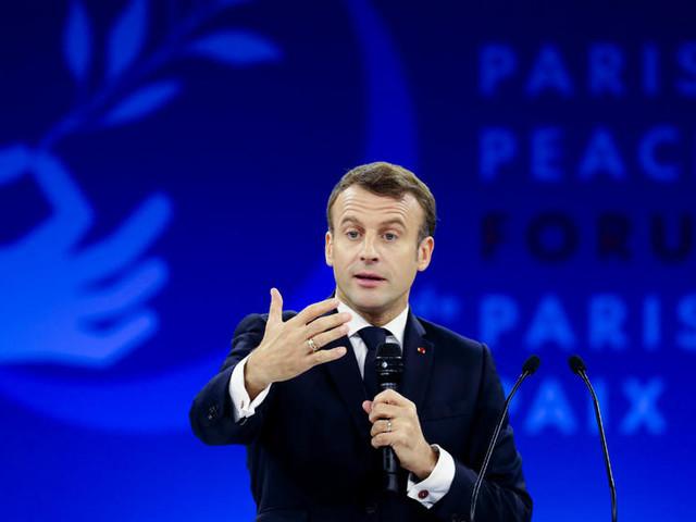 """[Forum de Paris sur la Paix] Macron accuse de """"pudibonderie et d'hypocrisie"""" ceux qui refusent les critiques"""