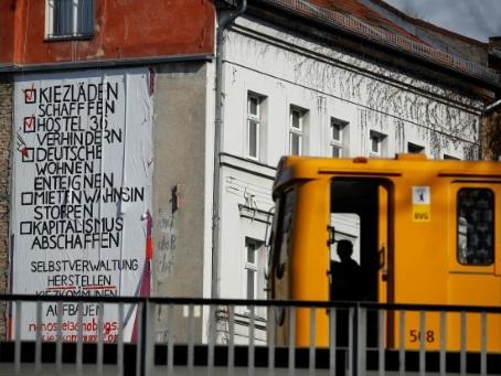 """Les Allemands dans la rue pour contester """"la folie des loyers"""""""