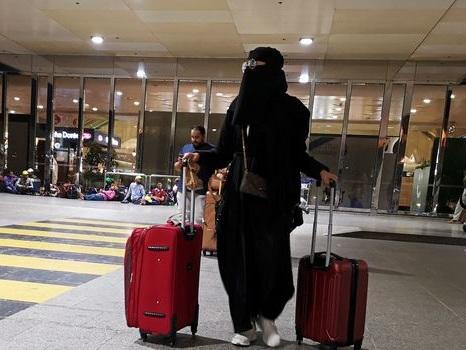En Arabie Saoudite, les femmes peuvent désormais sortir du pays sans permission d'un homme