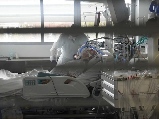 Coronavirus : plus de 26.500 nouveaux cas en 24h, la pression hospitalière augmente