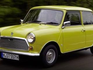 Il était une fois, une voiture de légende... la Mini, il n'y a que son nom de mini !