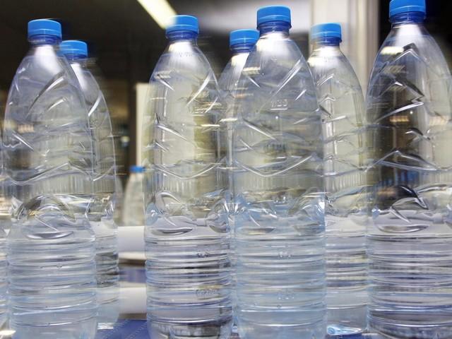 Plastique : le gouvernement a-t-il oublié la consigne ?